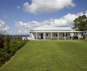 Montville Lake Terrace - Hervey Bay Accommodation